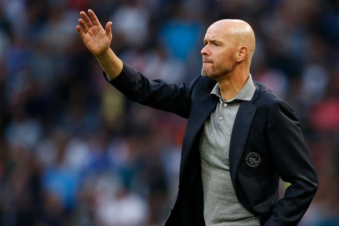 Erik ten Hag zag Ajax met 5-0 winnen van FC Emmen.