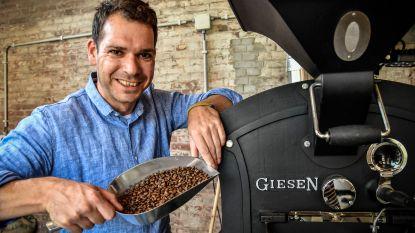 """Stijn start eigen microkoffiebranderij in vroegere zeepfabriek: """"Het leven is te kort voor slechte koffie"""""""