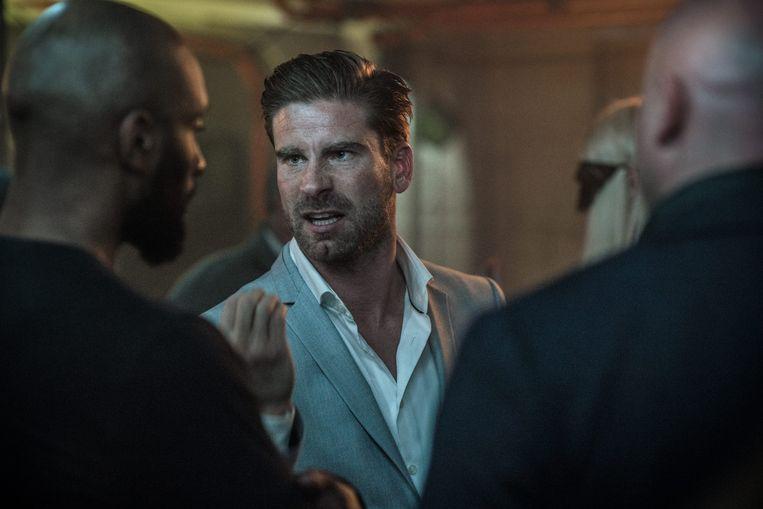 Acteur Kevin Janssens lijkt niet van het scherm weg te slaan. Recent speelde hij nog een hoofdrol in 'Over Water', de fictiereeks van Tom Lenaerts.