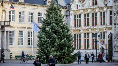 Eerst nieuwjaarsborrel, daarna werken op Burg en Blinde-Ezelstraat
