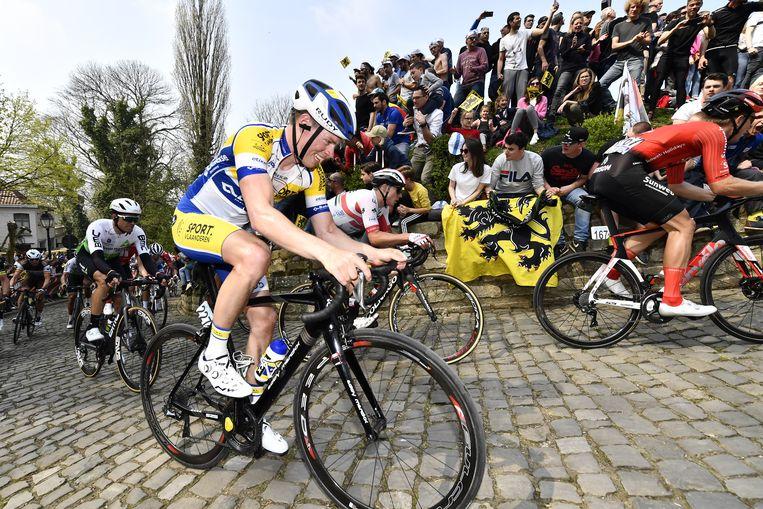 Jordi Warlop op de muur van Geraardsbergen. Foto Belga