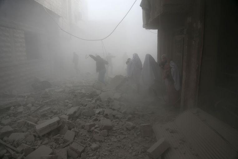Archiefbeeld van een eerder bombardement op Oost-Ghouta.