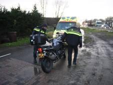 Motorrijder onderuit bij rotonde N207 bij Aarlanderveen