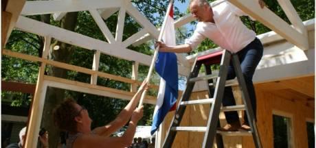 Vlag in top buurthuis 't Soperse Bos Vinkel