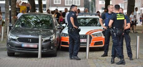 Twee mannen aangehouden in Breda na achtervolging vanuit België: kofferbak gevuld met vier zwarte tassen