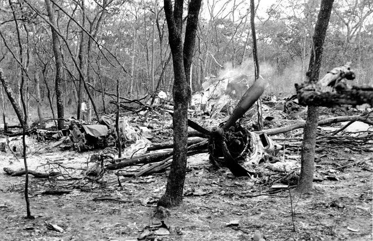 Het vliegtuig van Hammarskjöld de ochtend na de crash.