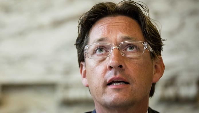 Joost Eerdmans van Leefbaar Rotterdam tijdens de presentatie van de nieuwe coalitie in het stadhuis.