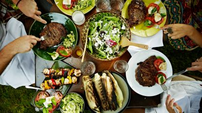 """""""Zeg niet vegetarisch, maar meer groentjes"""": met deze trucs probeert men jou gezonder te laten eten"""