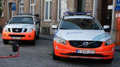 Drugs gevonden en illegalen gevat bij politiecontroles