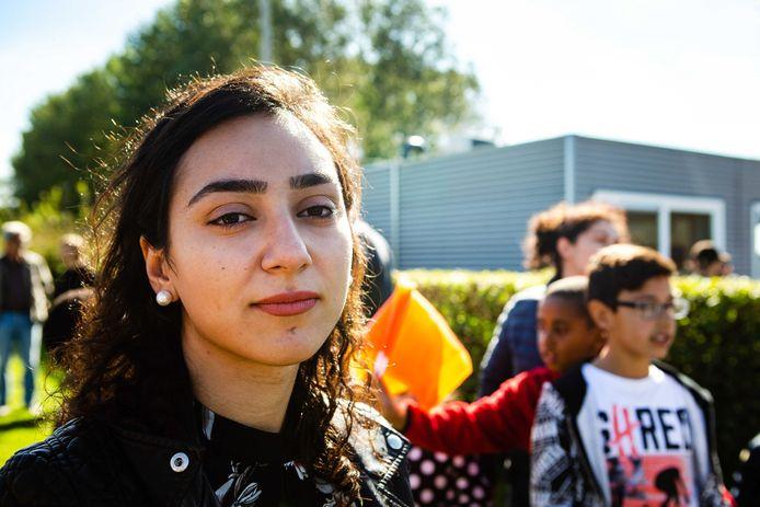 Hayarpi tijdens een demonstratie van DeGoedeZaak en Defence for Children tegen het uitzetten van gewortelde kinderen in Nederland.