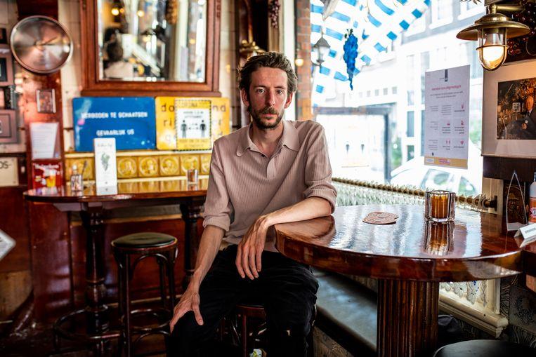 Frederik Willem Daem:'Ik was dat mistroostige individu dat daar elke avond zat, met zijn laptop en zijn pintje.' Beeld Nosh Neneh
