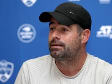Raemon Sluiter tijdens Australian Open commentator bij Eurosport