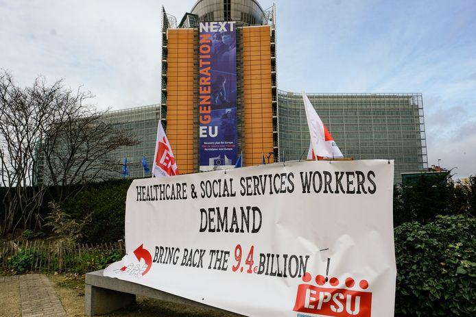De Europese vakbond wil meer investeringen in de zorg.