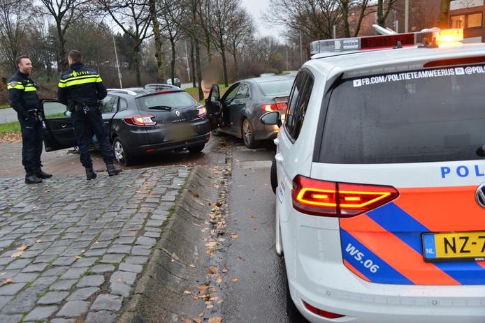 Beide auto's zijn beschadigd geraakt bij het ongeluk in Breda.