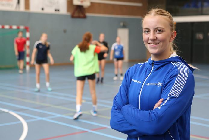 Handbalster Renkse Michielsen uit Breda speelt dit seizoen op het hoogste niveau in Limburg