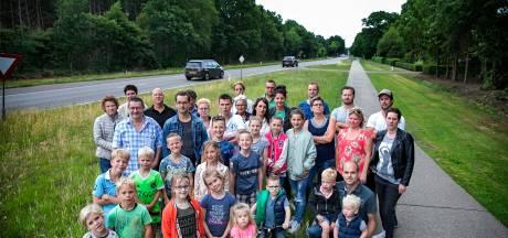 Deurnese families tegen rechter: ga maar eens langs een trekker fietsen die hier over de weg dendert