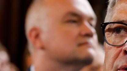 """Ex-baas van escort: """"Wat kreeg Van Dijck in ruil voor zijn hulp?"""""""