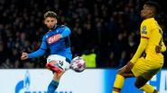 Recordschutter Mertens scoort pareltje tegen Barça, maar valt geblesseerd uit
