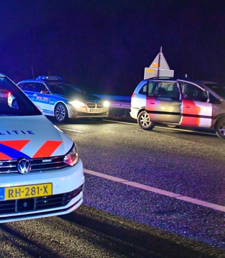 'Duitse' achtervolging eindigt op A67 bij Duizel: 'Ik zag meerdere mensen berm in rennen'