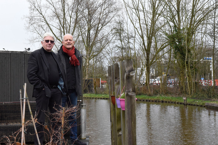 Leo Jansen en Dick Fokker willen ook een geluidswal langs de Hollandbaan.