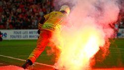 """Steward getuigt: """"Veiligheid in stadions zo lek als een zeef"""""""