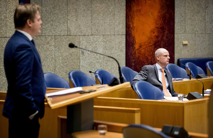 Stef Blok, minister van Buitenlandse Zaken en Pieter Omtzigt (CDA) tijdens een debat in de Tweede Kamer.