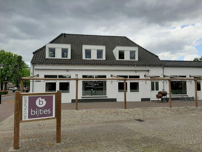 Restaurant Bij Ties in Wanroij ligt er verlaten bij.