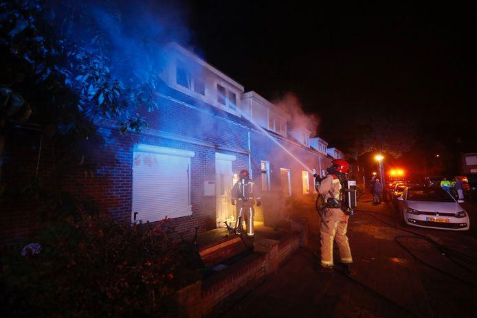 Woningbrand in de Lemmenslaan in de Gestelse wijk de Bennekel.
