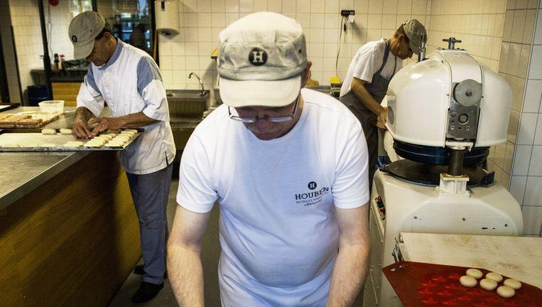 Houben werkt zowel met 'gepassioneerde gepensioneerden' als met jongeren die op festivals de foodtrucks bemannen Beeld Aurelie Geurts