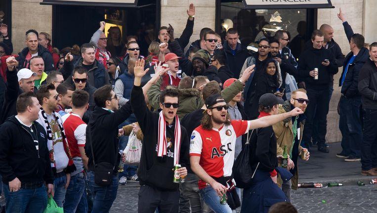 Fans van Feyenoord in Rome Beeld Stefano Montesi / Demotix
