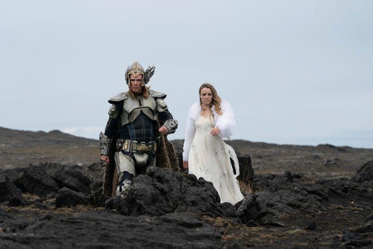 Will Ferrell als Lars Erickssong en Rachel McAdams als Sigrit Ericksdottir. Beeld Elizabeth Viggiano/NETFLIX