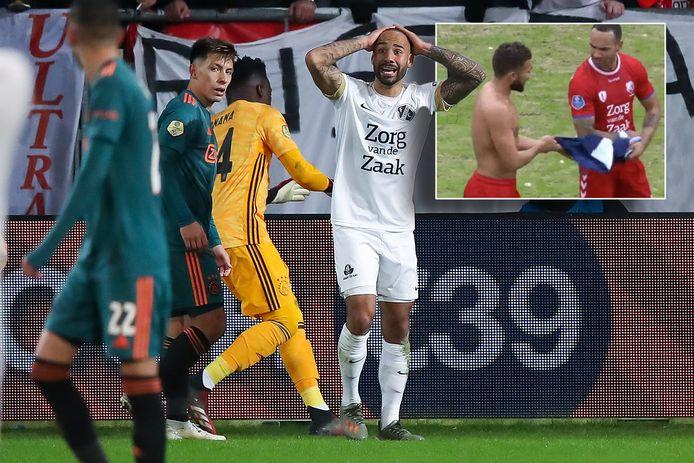 Sean Klaiber is ontroostbaar na zijn gele kaart in de halve finale van de KNVB-beker tegen Ajax. Inzet: Klaiber rukt een Ajax-shirt uit de handen van Zakaria Labyad.