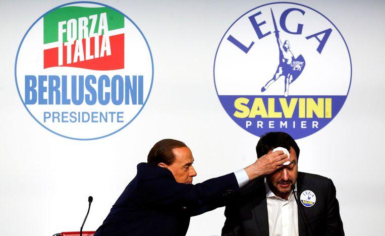 Silvio Berlusconi en Matteo Salvini, hier nog tijdens een bijeenkomst in de aanloop naar de verkiezingen.