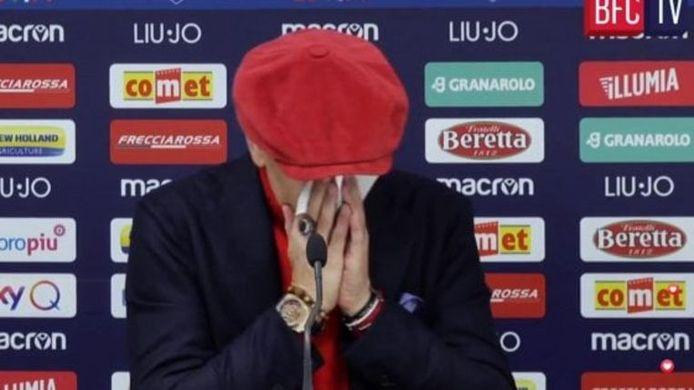 Sinisa Mihajlovic n'a pas réussi à contenir son émotion en conférence de presse.