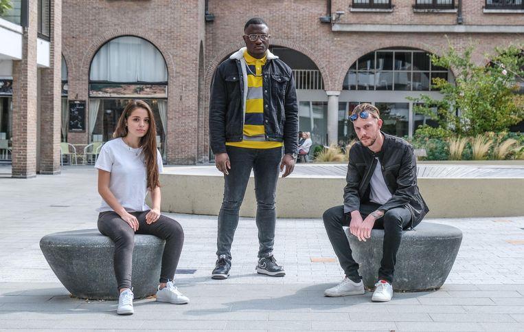 Kortrijkzaan Nicky Deschuymere alias rapper Qwisto (rechts), samen met Jennifer Hermans en Dylan Engg.