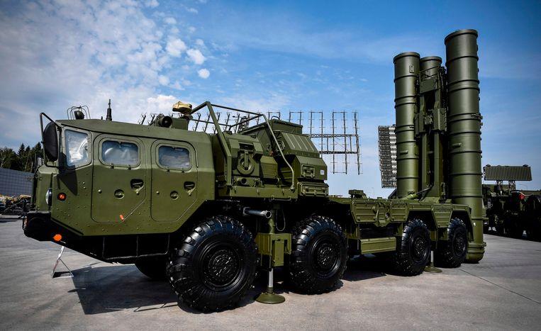 Russisch raketafweersysteem S-400 op een militaire expositie in 2017.