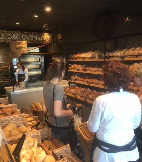 Vernieuwde bakkerswinkel en kaaszaak in Vlijmen open
