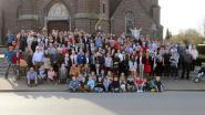210 afstammelingen Frans Demeestere samen rond de feesttafel