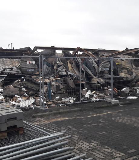Schuren Zelhemse kozijnenfabriek volledig verwoest