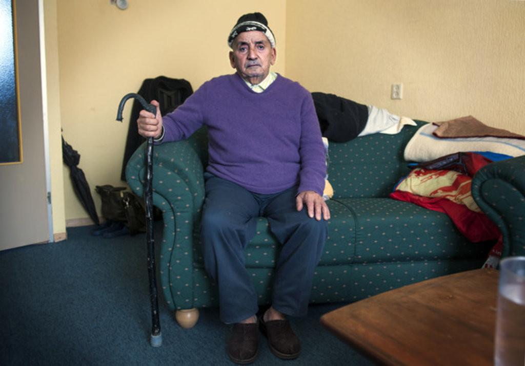 Mohammed Belhasni in zijn woning in Overvecht, die hij in april moet verlaten omdat hij zou onderverhuren.