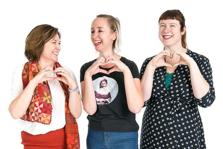 Katelijne, Heidi en Sieglinde presenteren 'Klara For Life'.