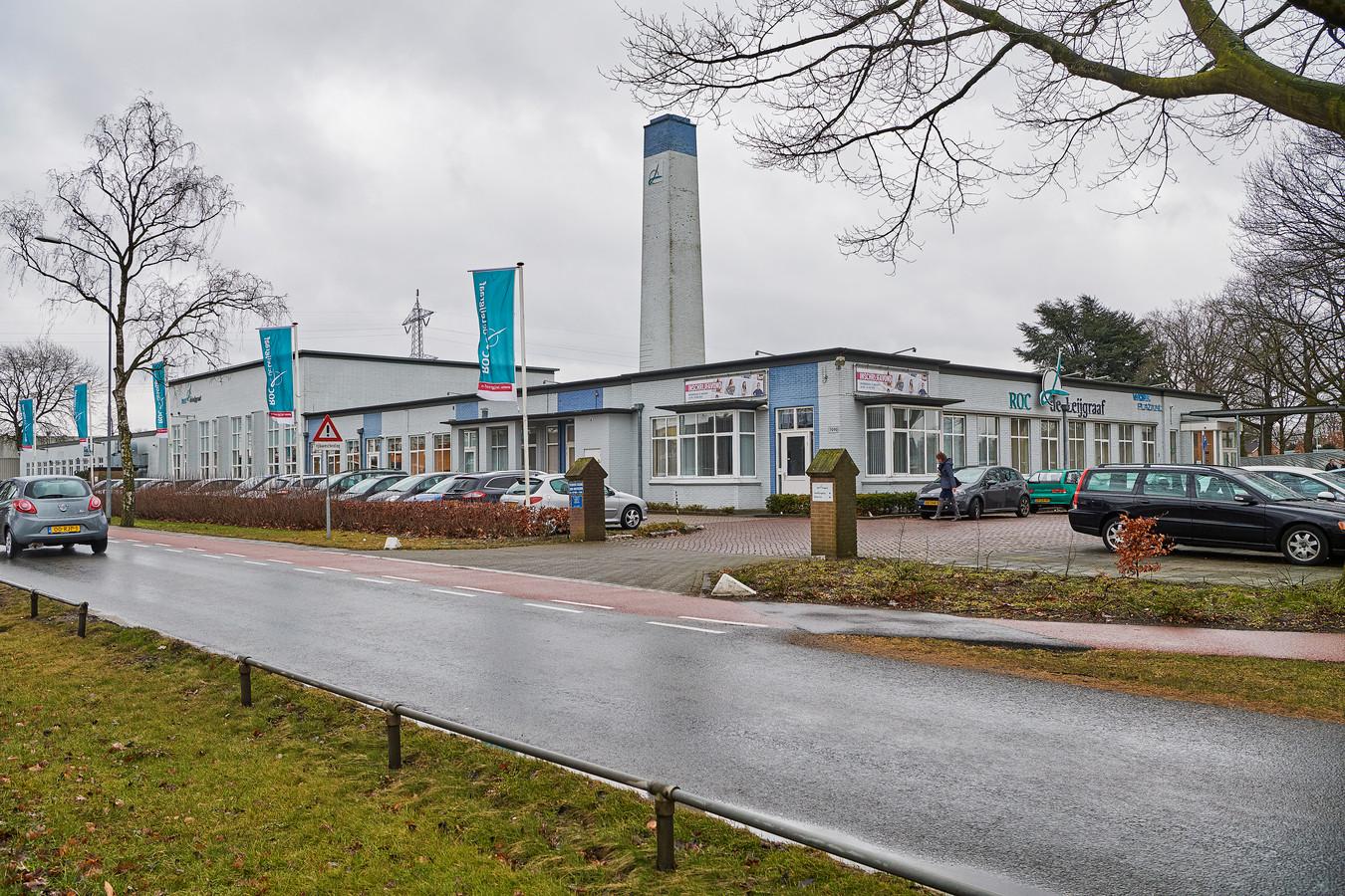 Het pand van ROC de Leijgraaf in Uden staat te koop. De gemeente Uden heeft geen belangstelling.