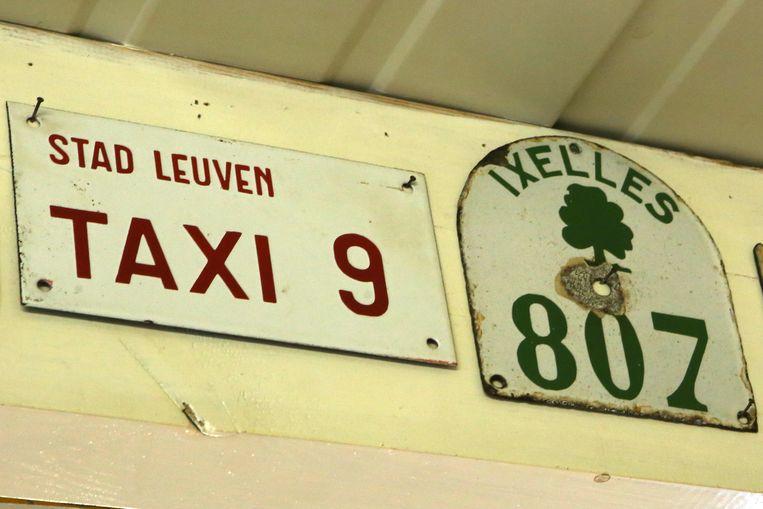 Taksplaten voor taxi's in Leuven en Brussel