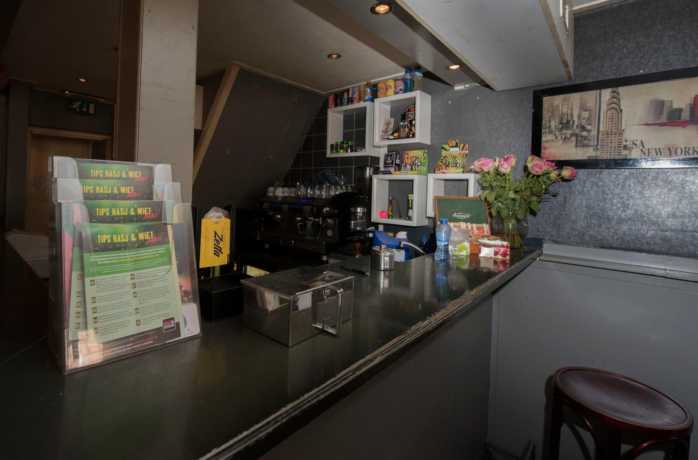 De bar van coffeeshop Liberty