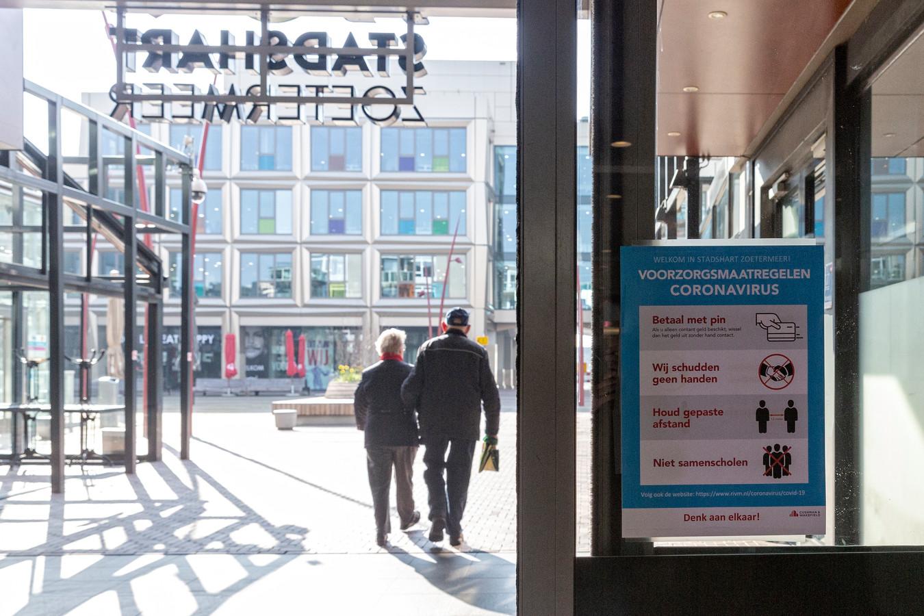 Veel winkels in het Stadshart zijn dicht vanwege de maatregelen tegen het coronavirus.