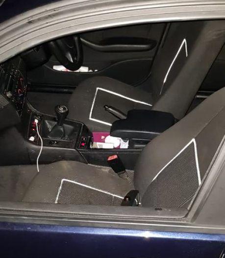 Vrouw valt uit raam rijdende auto tijdens maken van Snapchat-video