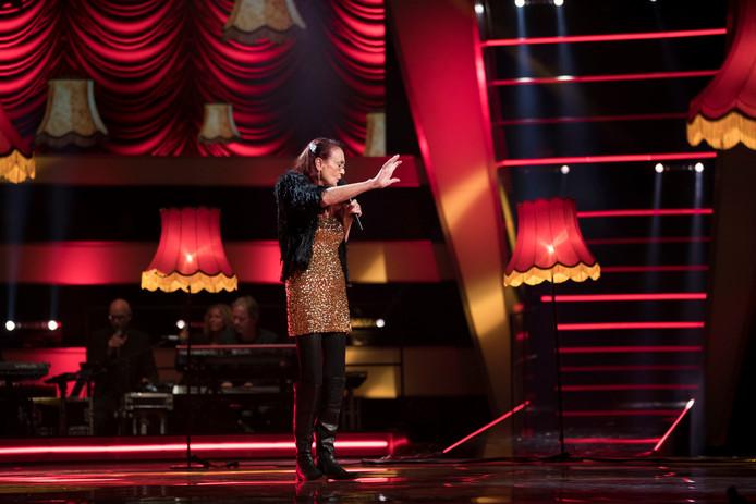 Noble tijdens haar optreden in de finale van The Voice Senior.