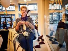 Breien bij Granny's Finest: 'Het lijkt alsof ik tientallen oma's heb'