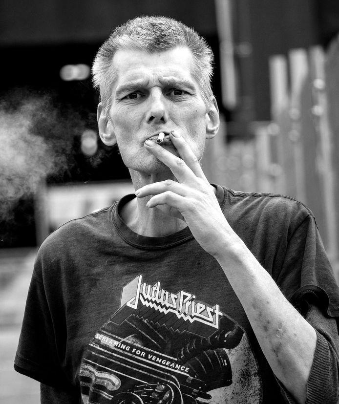 Straatnieuwscolumnist, ex-dakloze en drugsverslaafde Steven Spaapen uit Utrecht.