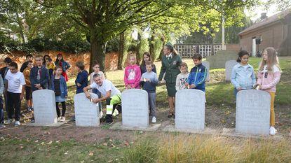 Schoolkinderen herdenken gesneuvelde soldaten